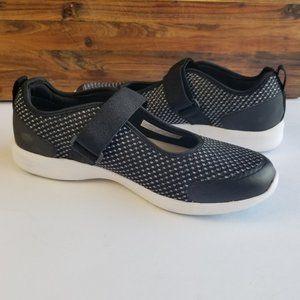 Vionic Black White Sky Jessica II Mary Jane Velcro Light Weight Slip On Sneakers